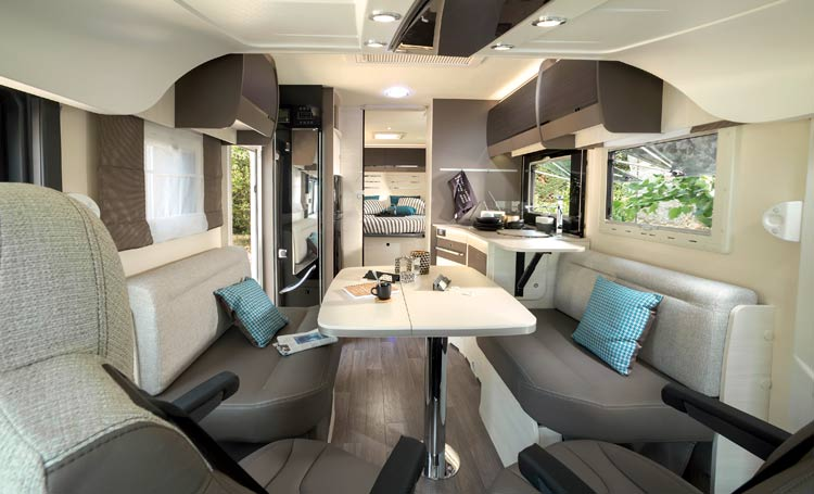 Camping car int graux chausson les camping car int graux for Interieur de camping car