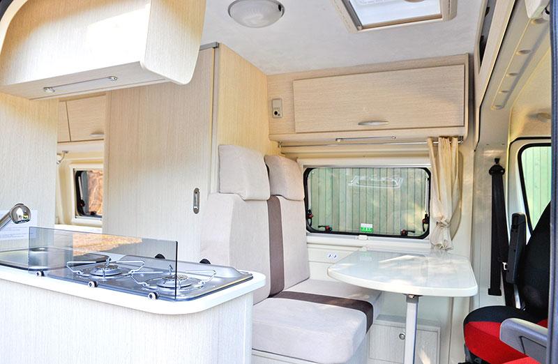 https://www.chausson-camping-cars.fr/wp-content/uploads/twist-start2-int_2014.jpg
